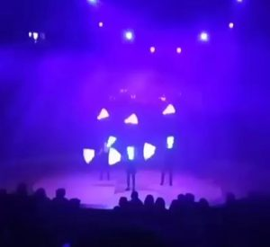 Light juggling show in Lisbon by Feeding the Fish